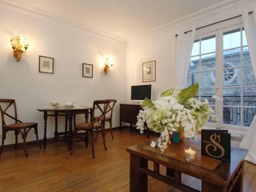 Photo 9 - Mithouard Apartments