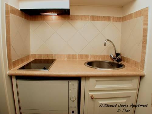 Photo 17 - Mithouard Apartments