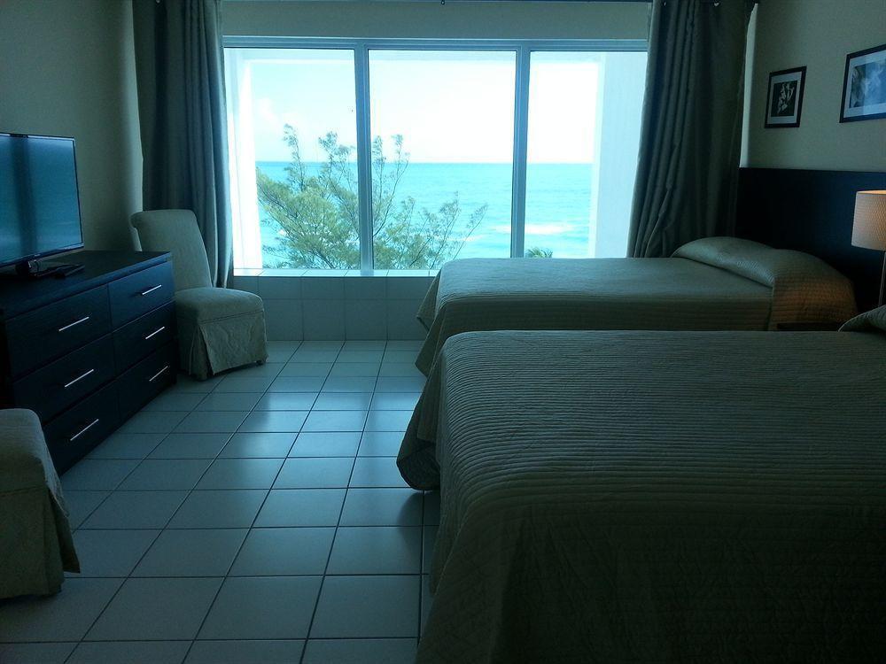Photo 35 - New Point Miami Beach Apartments