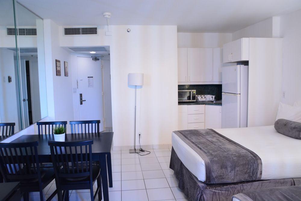 Photo 10 - New Point Miami Beach Apartments