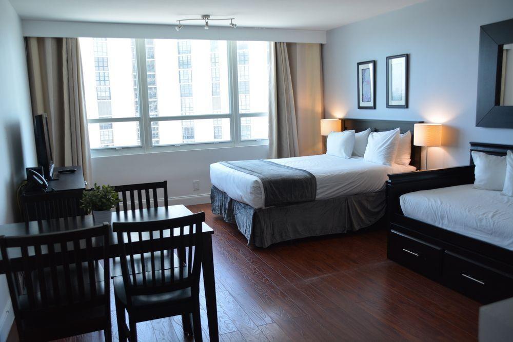 Photo 30 - New Point Miami Beach Apartments