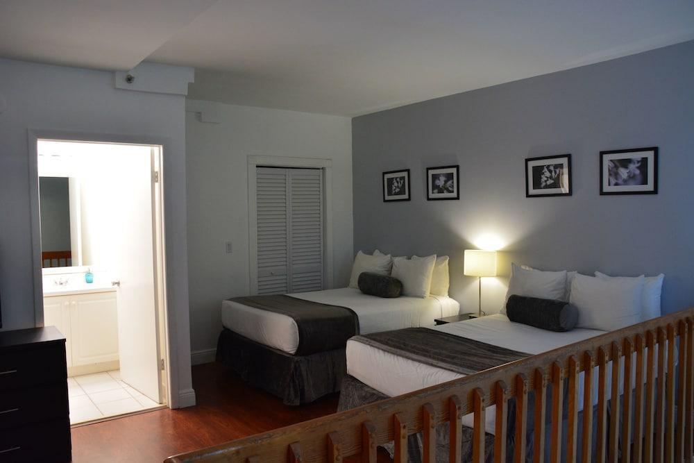 Photo 26 - New Point Miami Beach Apartments