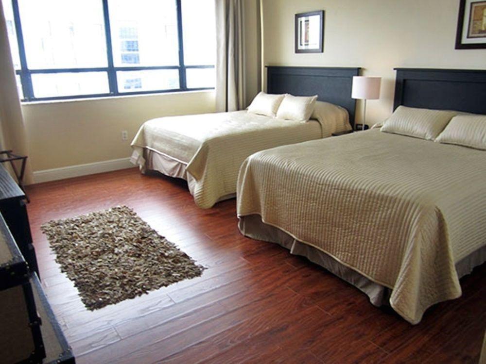Photo 22 - New Point Miami Beach Apartments