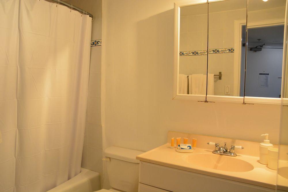 Photo 20 - New Point Miami Beach Apartments