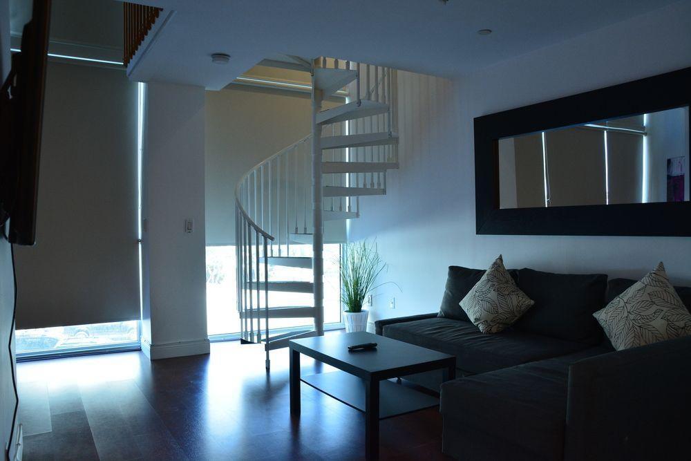 Photo 9 - New Point Miami Beach Apartments