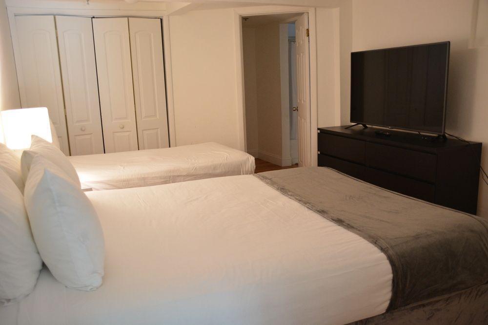 Photo 12 - New Point Miami Beach Apartments
