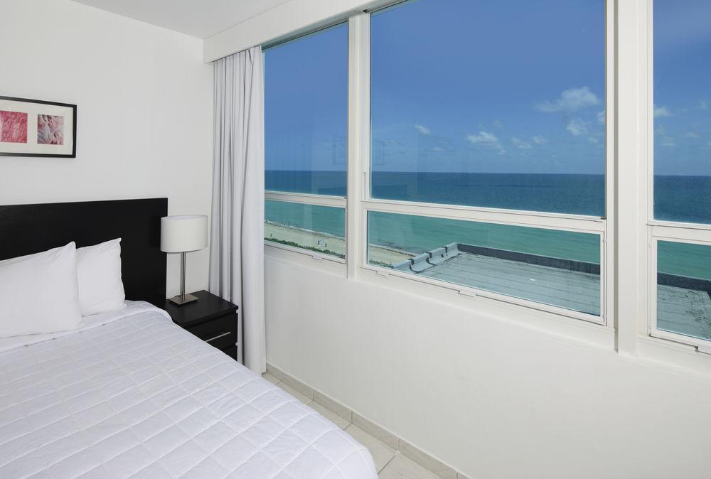 Photo 11 - New Point Miami Beach Apartments