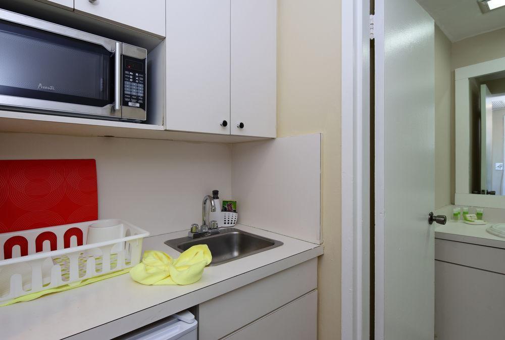 Photo 7 - New Point Miami Beach Apartments