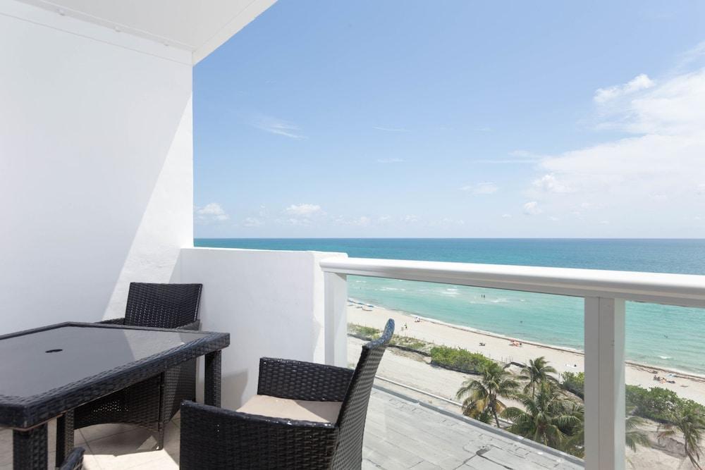 Photo 28 - New Point Miami Beach Apartments