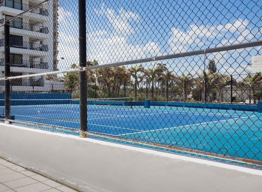 Photo 17 - New Point Miami Beach Apartments