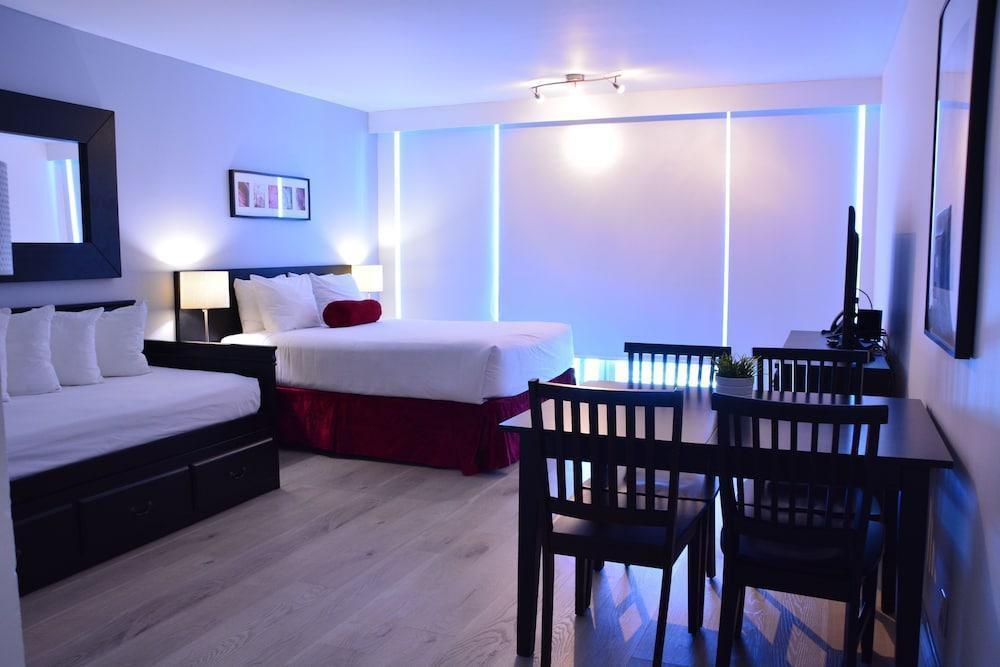 Photo 18 - New Point Miami Beach Apartments