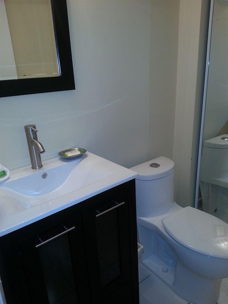 Photo 32 - New Point Miami Beach Apartments