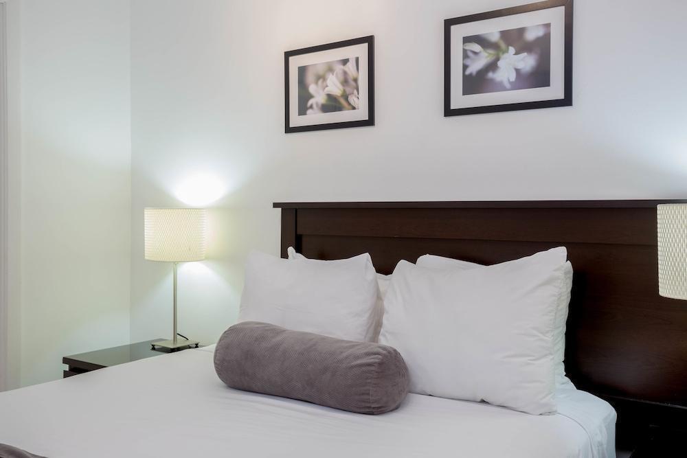Photo 39 - New Point Miami Beach Apartments
