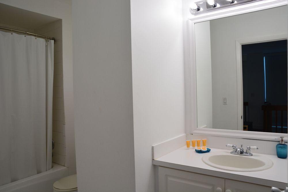 Photo 34 - New Point Miami Beach Apartments
