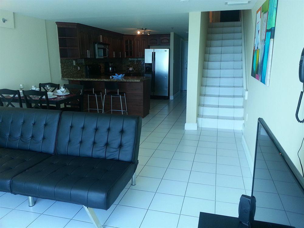 Photo 24 - New Point Miami Beach Apartments