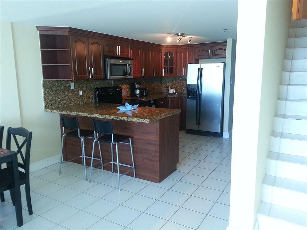 Photo 8 - New Point Miami Beach Apartments