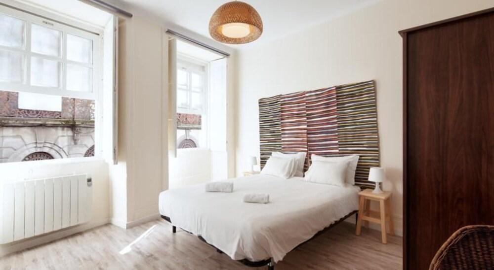Foto 1 - Aparthotel Oporto Entreparedes - free breakfast & parking