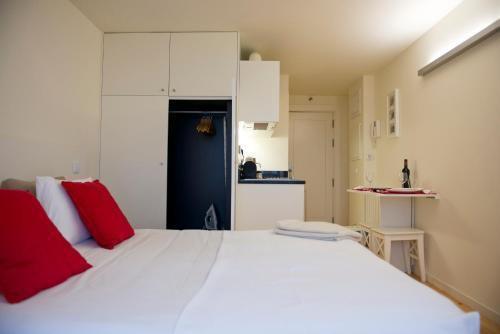 Foto 7 - Apartamentos By Clerigos - Studios