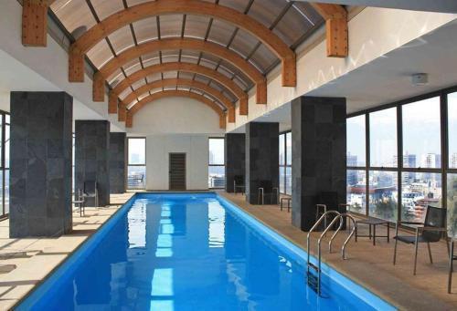 Photo 2 - Amistar Apartments