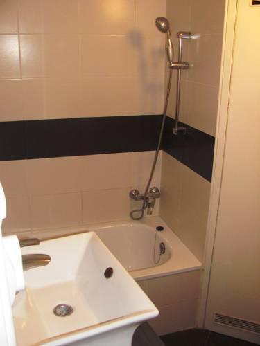 Foto 13 - Castle View Apartment