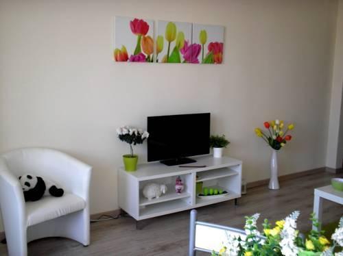 Photo 29 - Greendream Apartment