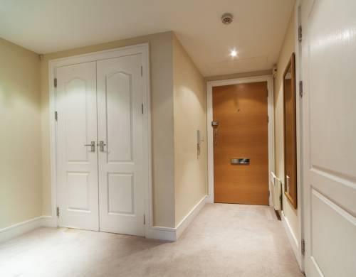 Foto 1 - Riverside Apartment