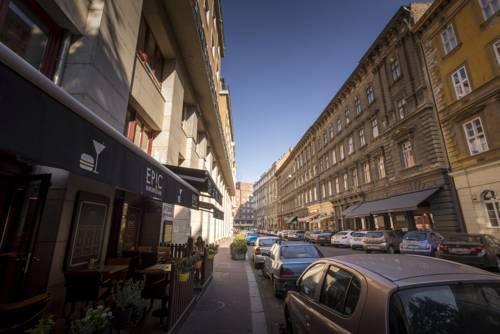 Photo 32 - Gozsdu Court Premier Apartment