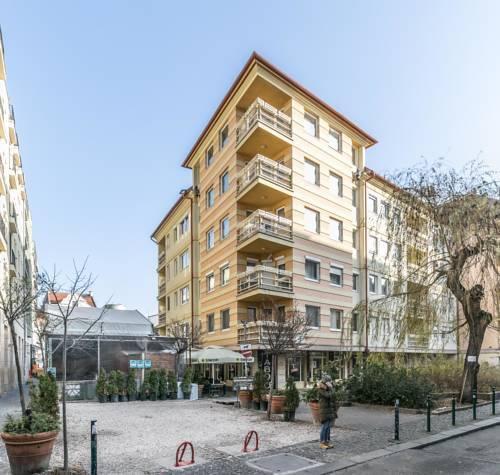 Photo 1 - Gozsdu Court Premier Apartment