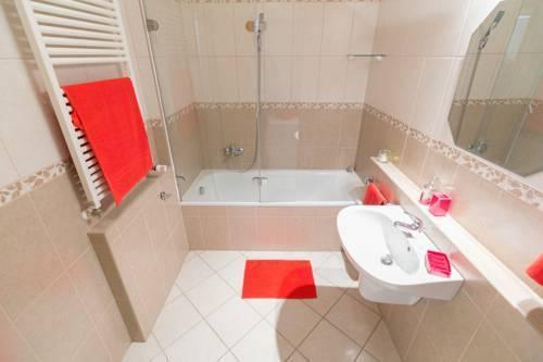 Photo 21 - Gozsdu Court Premier Apartment