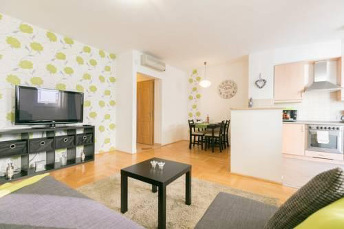 Photo 2 - Gozsdu Court Premier Apartment