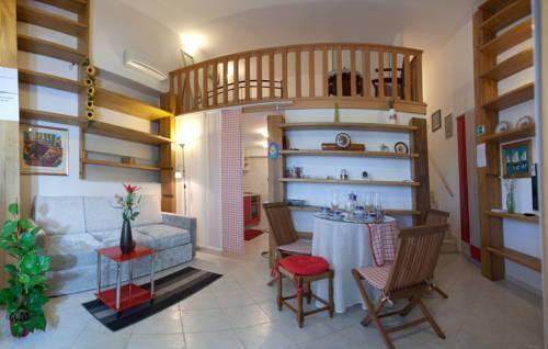 Photo 15 - Kamenita Apartment