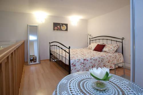 Photo 8 - Kamenita Apartment
