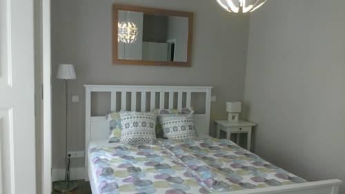Photo 2 - Trindade Apartment