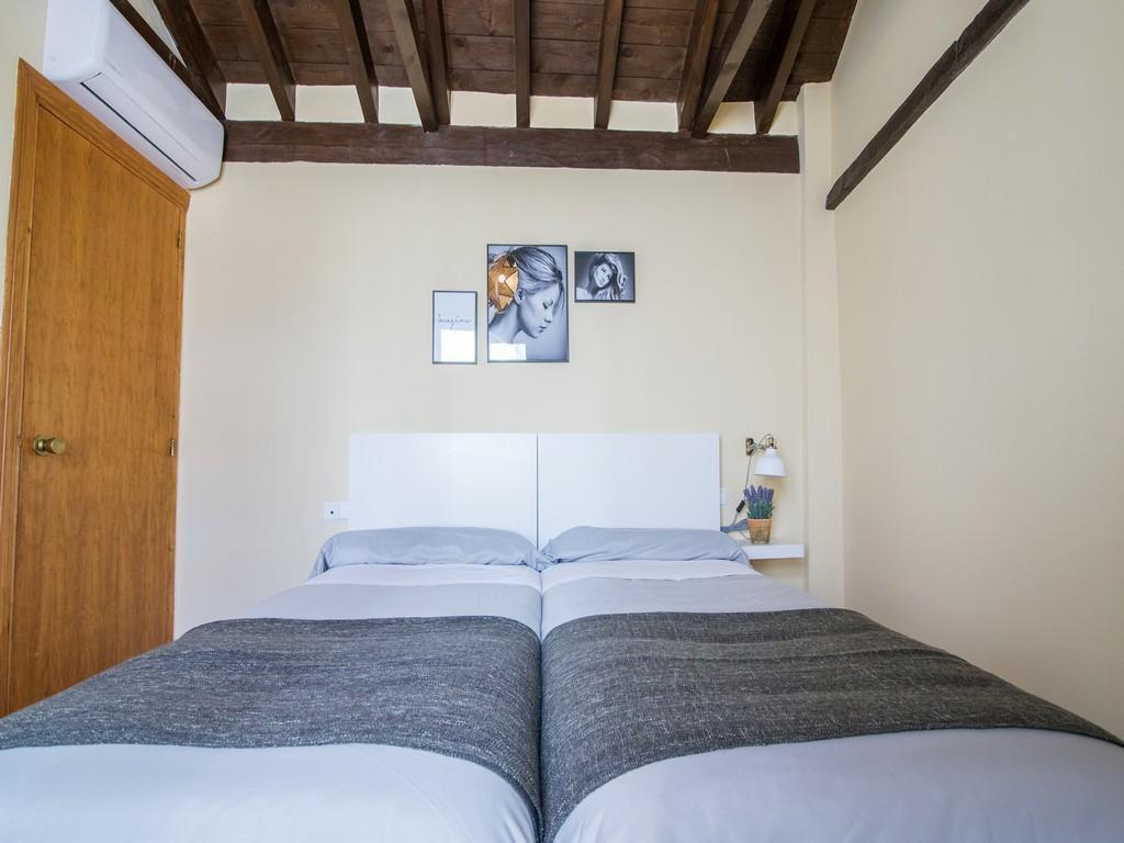 Foto 6 - Apartamentos Nahira Suites 3000