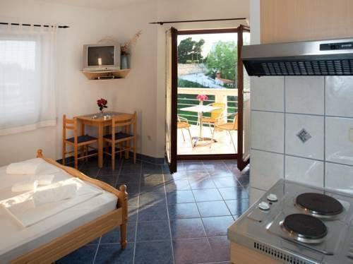 Photo 5 - Apartments Cetina