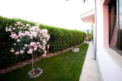 Photo 2 - Apartments Cetina