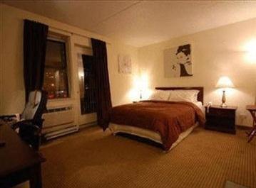 Photo 2 - Metro Apartments