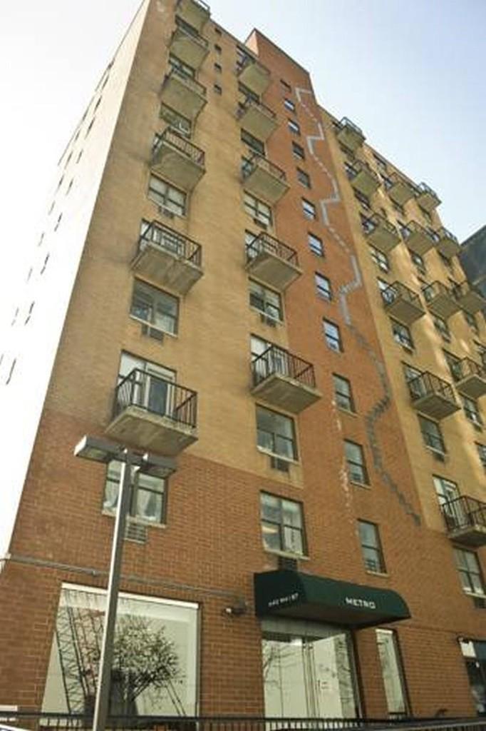 Foto 1 - Metro Apartments