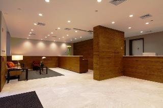 Photo 10 - Metro Apartments