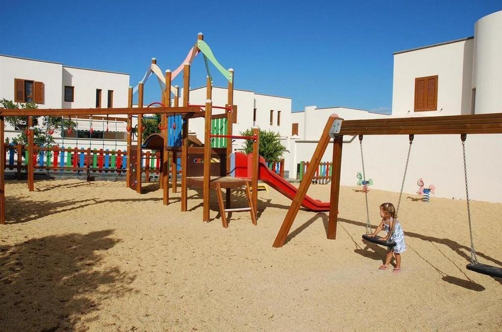 Photo 18 - Las Caletas Village