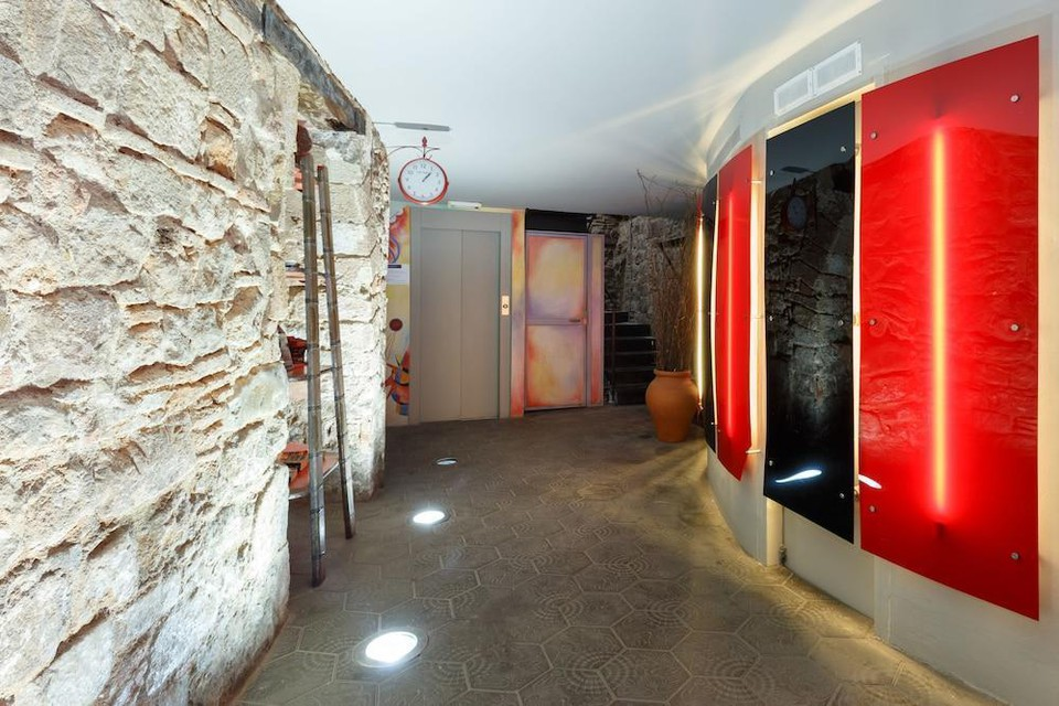 Photo 5 - AinB Picasso-Corders Apartments