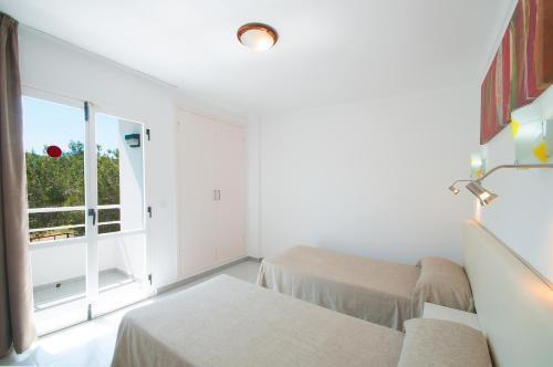 Foto 39 - Apartamentos Sunset Oasis Ibiza - Only Adults