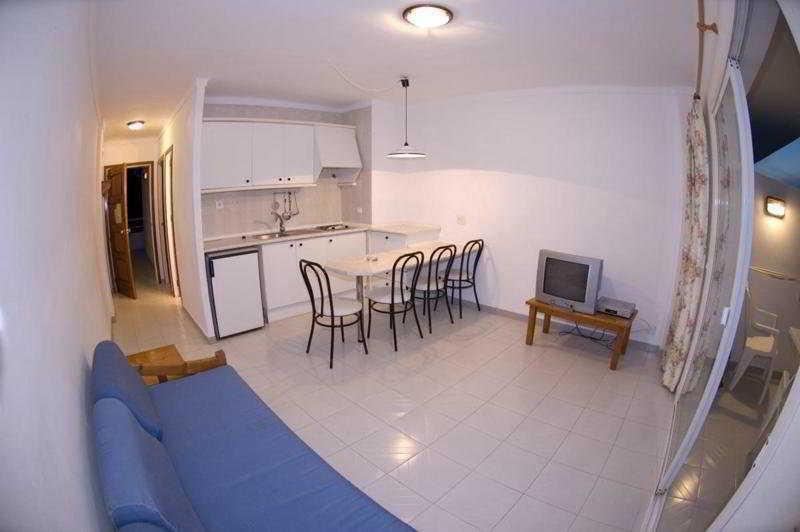 Foto 19 - Apartamentos Sunset Oasis Ibiza - Only Adults