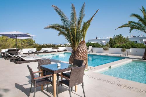 Foto 15 - Apartamentos Sunset Oasis Ibiza - Only Adults