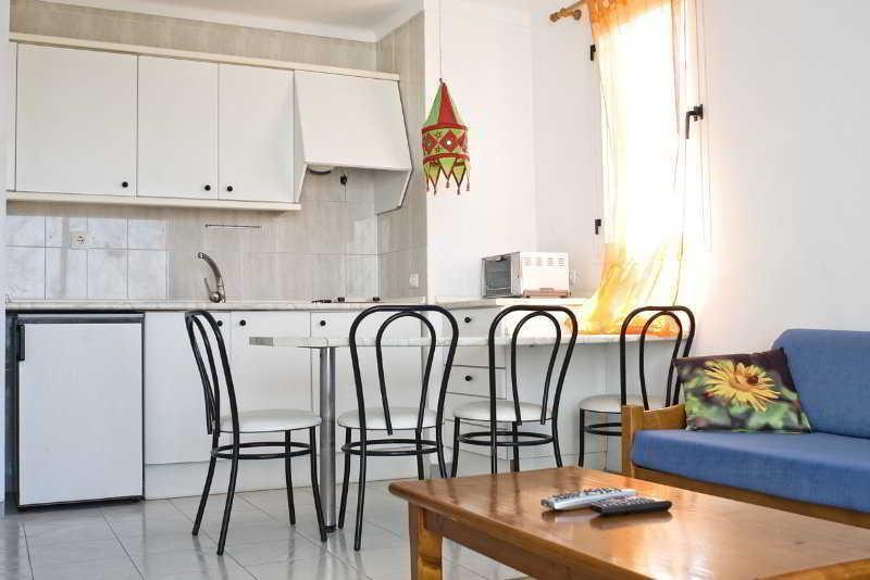 Foto 5 - Apartamentos Sunset Oasis Ibiza - Only Adults
