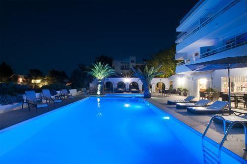Foto 11 - Apartamentos Sunset Oasis Ibiza - Only Adults