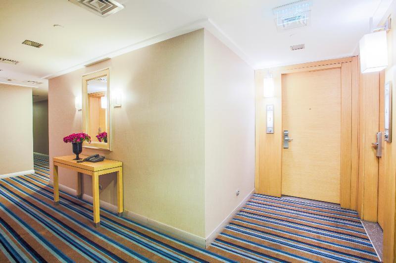 Foto 10 - Housez Suites & Apartments Special Class