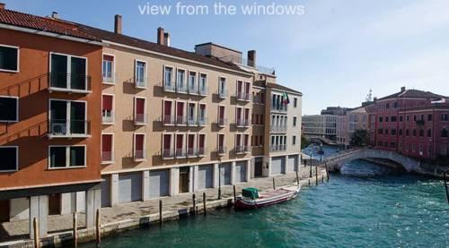 Photo 34 - Nina Venice Apartment