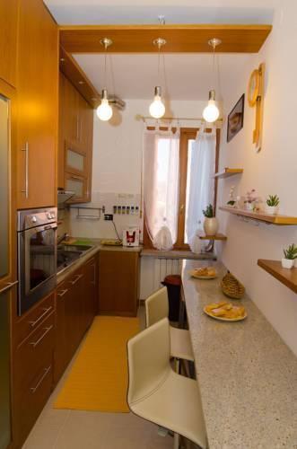Photo 4 - Nina Venice Apartment