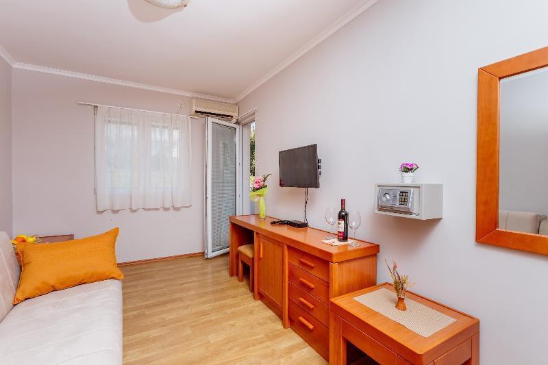Photo 25 - Apartments Perper